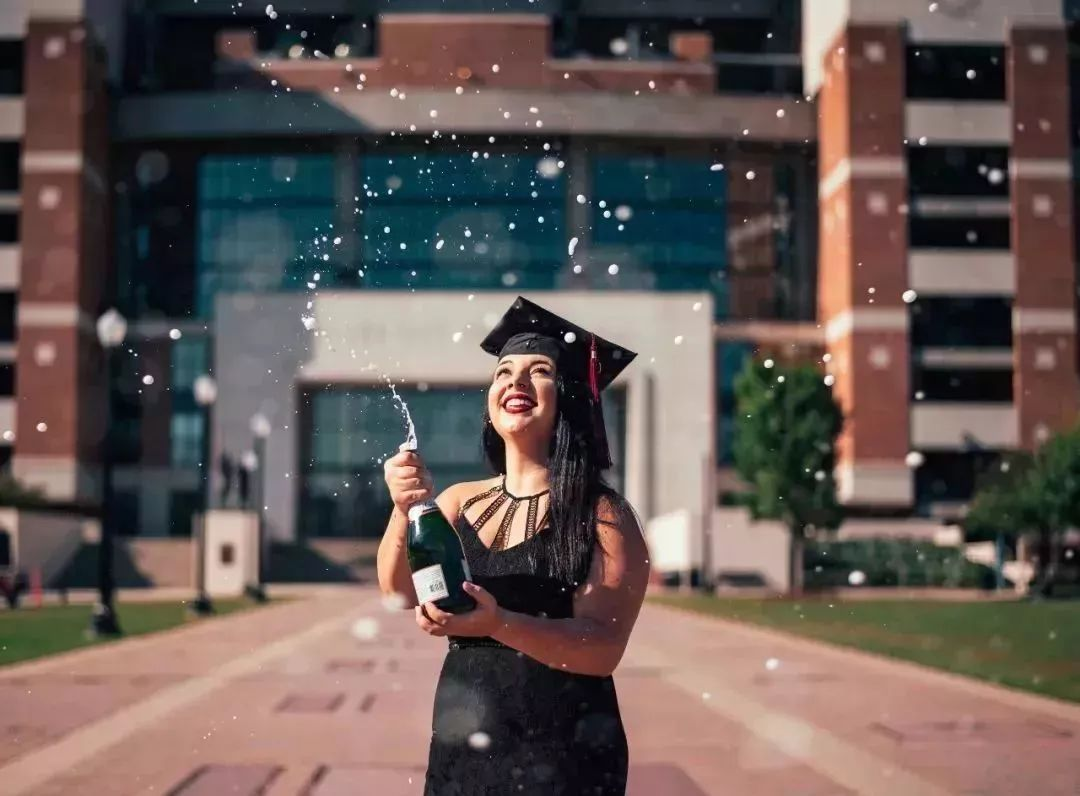 普林斯顿大学校长2018毕业演讲:读书无用是最大的谎言