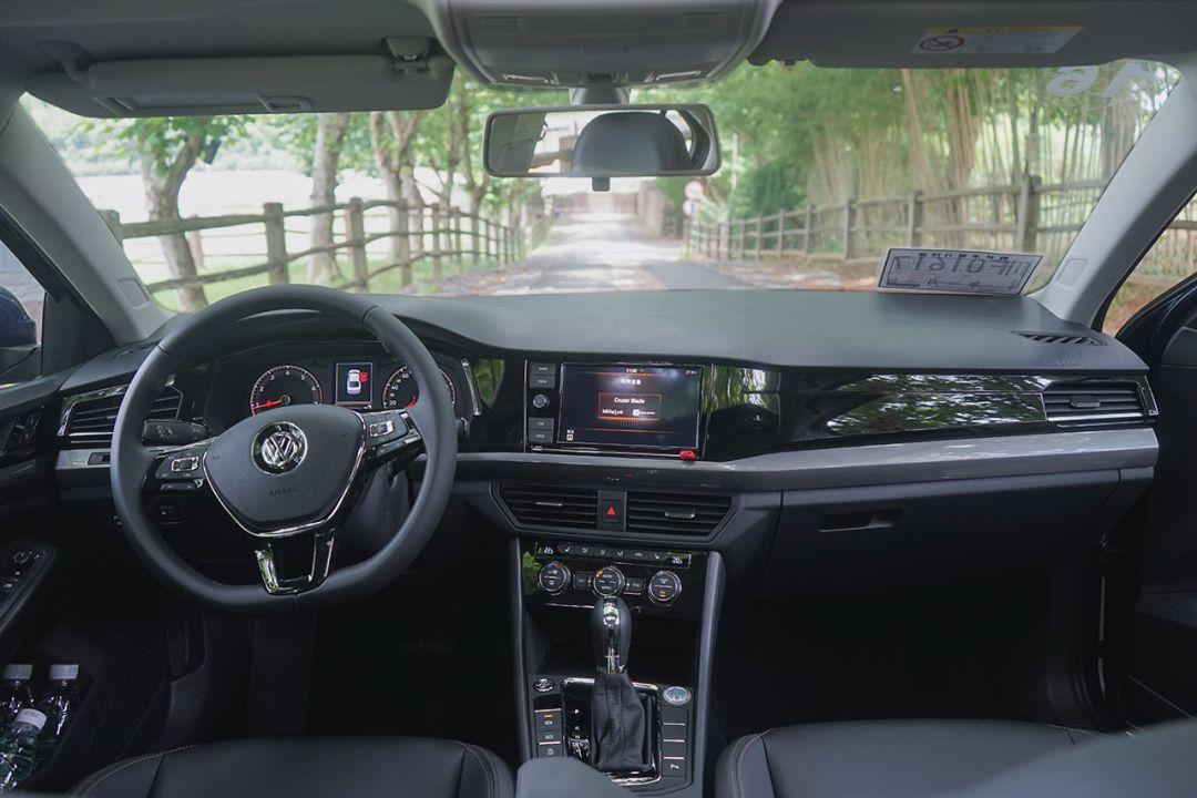 试驾丨宝来升职记——如何成为一款标准家用车的范例