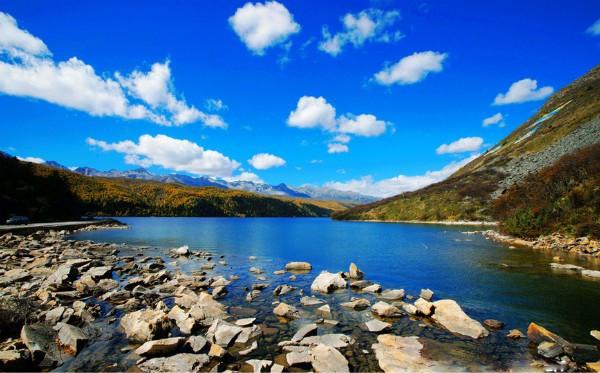 从即日起,到8月31日,前往甘孜州康定市康定情歌木格措风景区,你将会
