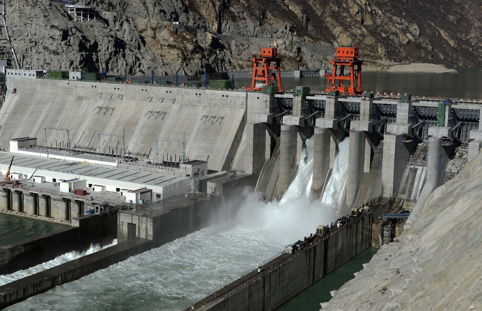 印度网民气哭了,整个国家喝不到干净水,你们中国人必须负责!