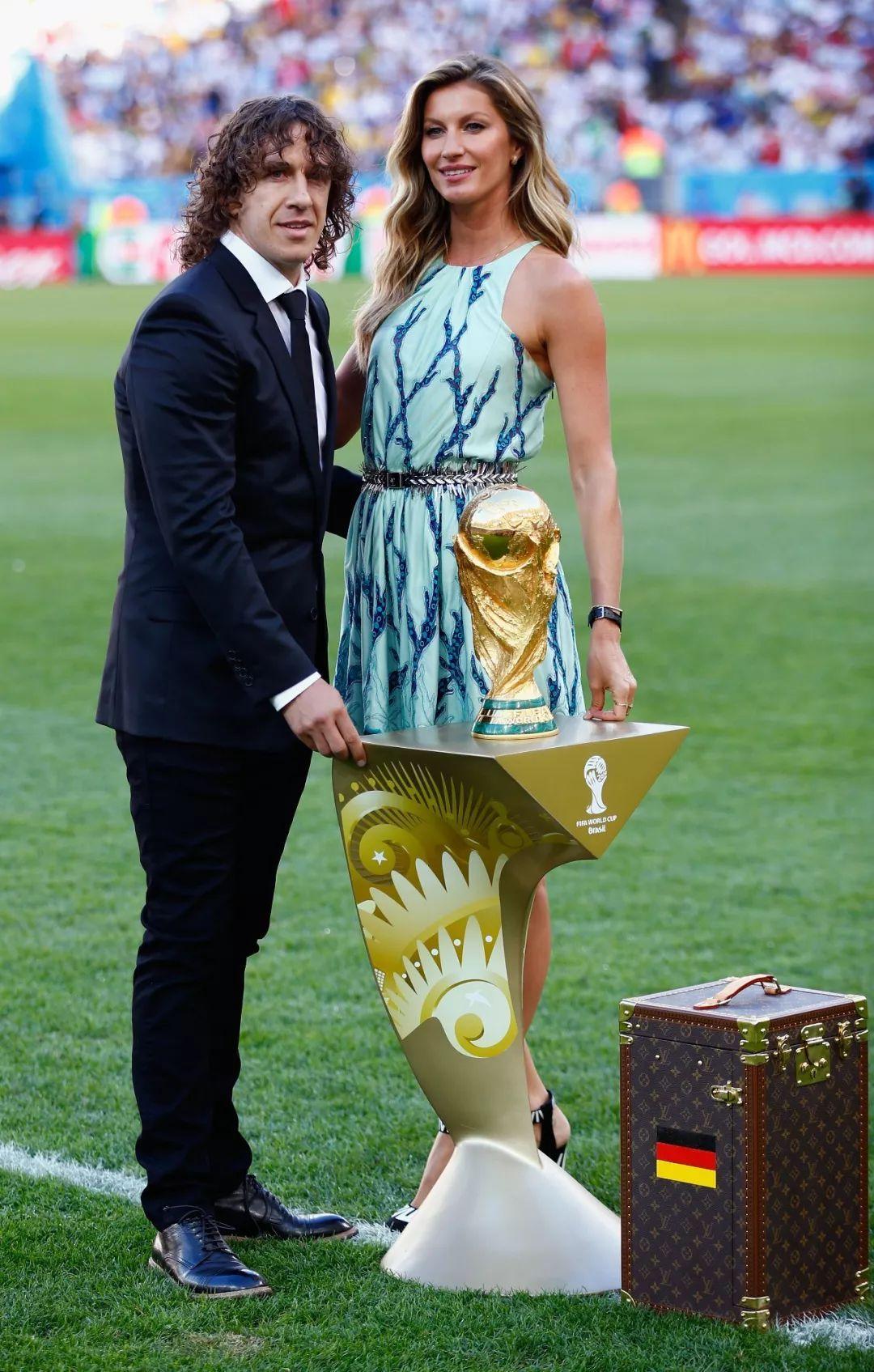 就在今晚!BAZAAR提前预测世界杯开幕式会请几个超模!