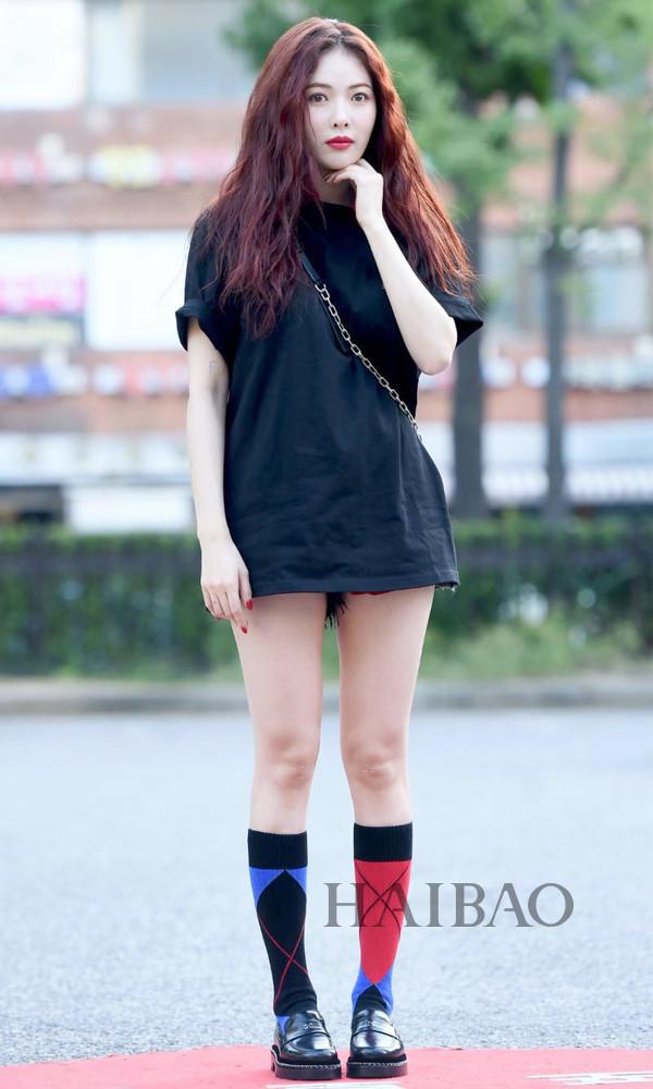 又舒适又能露腿,夏天比T恤裙更好穿的还有谁?周冬雨、戚薇、泫雅都很爱,这个潮流真真是值得追!