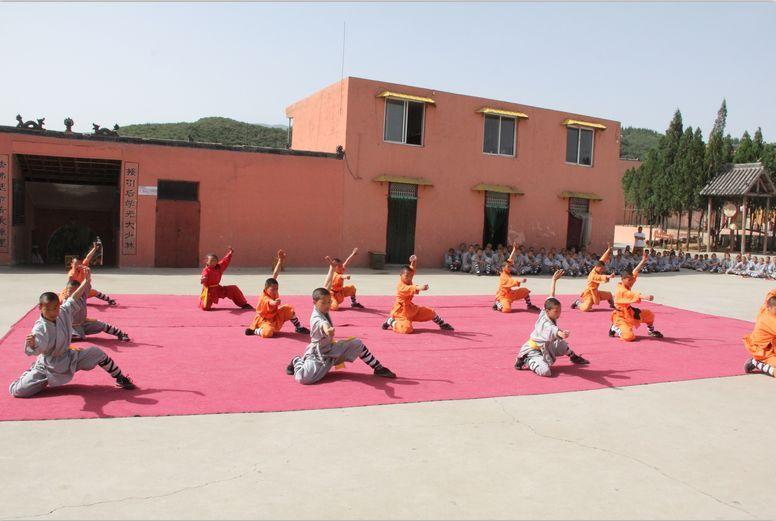 嵩山少林寺武术学校招生办 武术不仅是技能运动,更是对孩子的品德教育