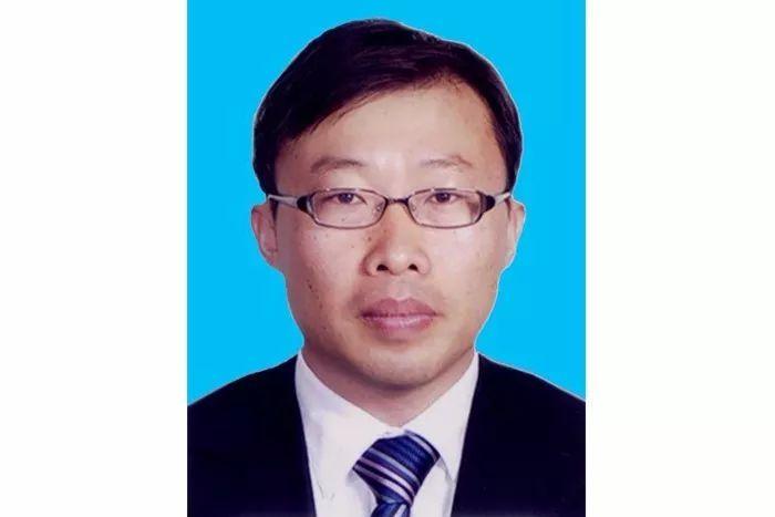 中国中铁聘段永传 刘宝龙 任鸿鹏为公司副总裁