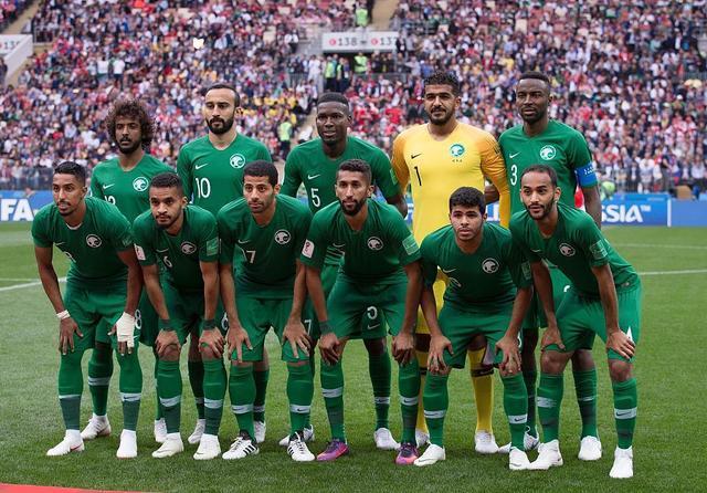 2002韩日世界杯排名_世界杯第1惨案队!若非沙特成绩更差,2002年世界杯国足得排第32