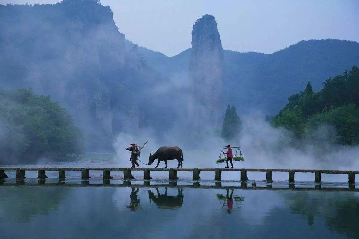 的如_例如去一处神仙居——丽水缙云仙都,在浙江的小县城如入桃花源境