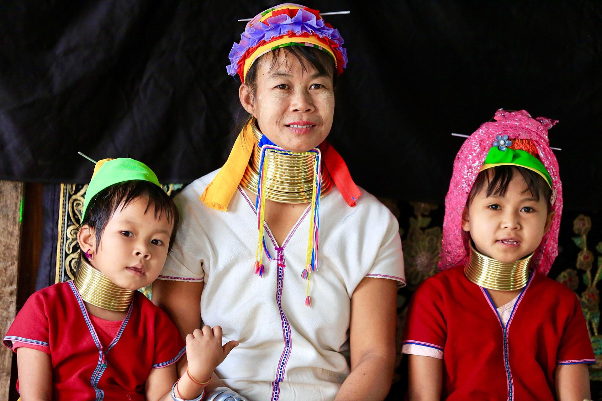 缅甸卡央女脖子越长越美 理由让人惊掉下巴