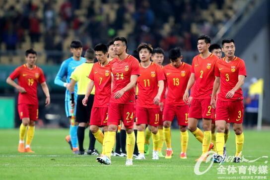德国vs法国 人民日报:中国足球要学会尴尬中反思 做好自己