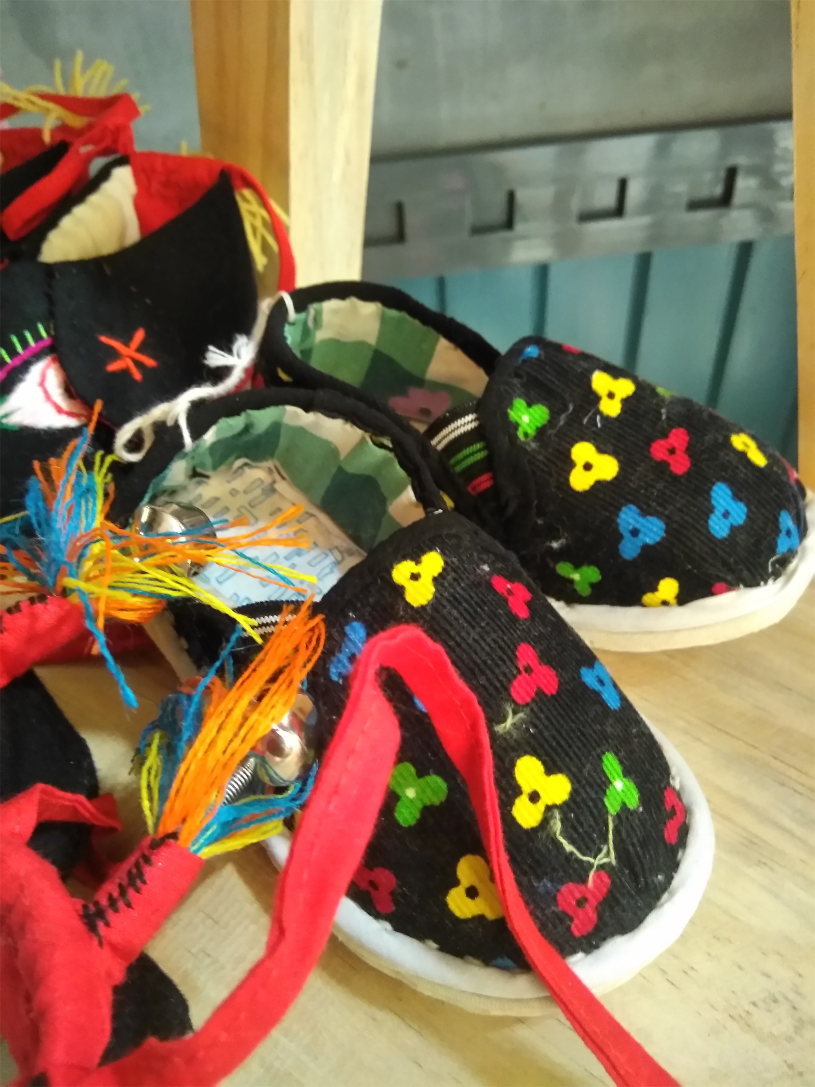 手工制作鞋子的全过程