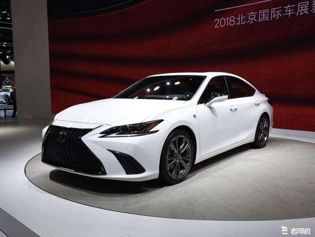 日系入门级豪华轿车 宝马5系没它大气 预售285万起比奥迪A6精致