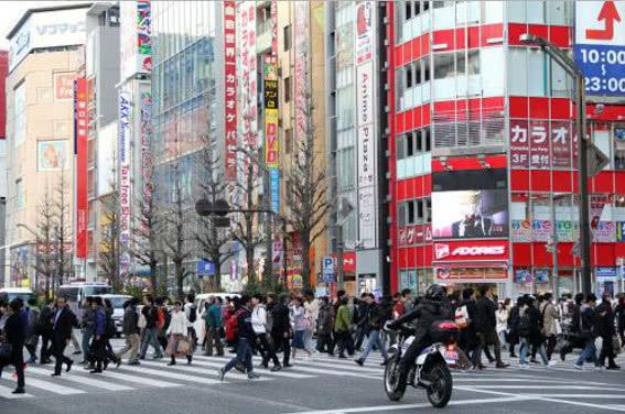 2017东京gdp_GDP世界第一的东京,上下班宁可骑摩托车也不开车?