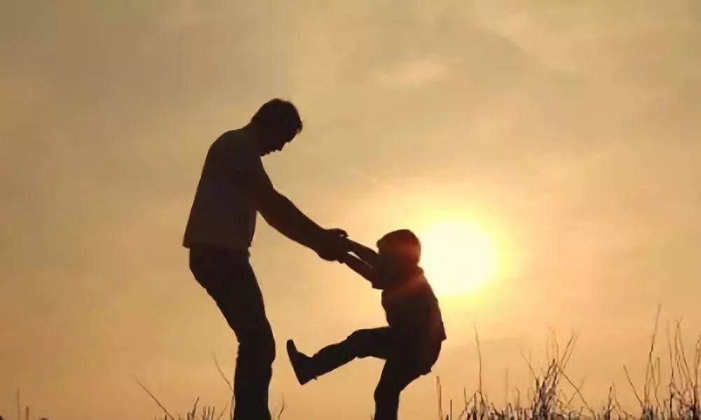 表达父爱最感人的句子_表达父爱最感人的句子40句