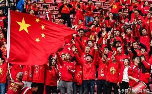 感人!南美小国时隔36年重返世界杯后怒吼国歌,