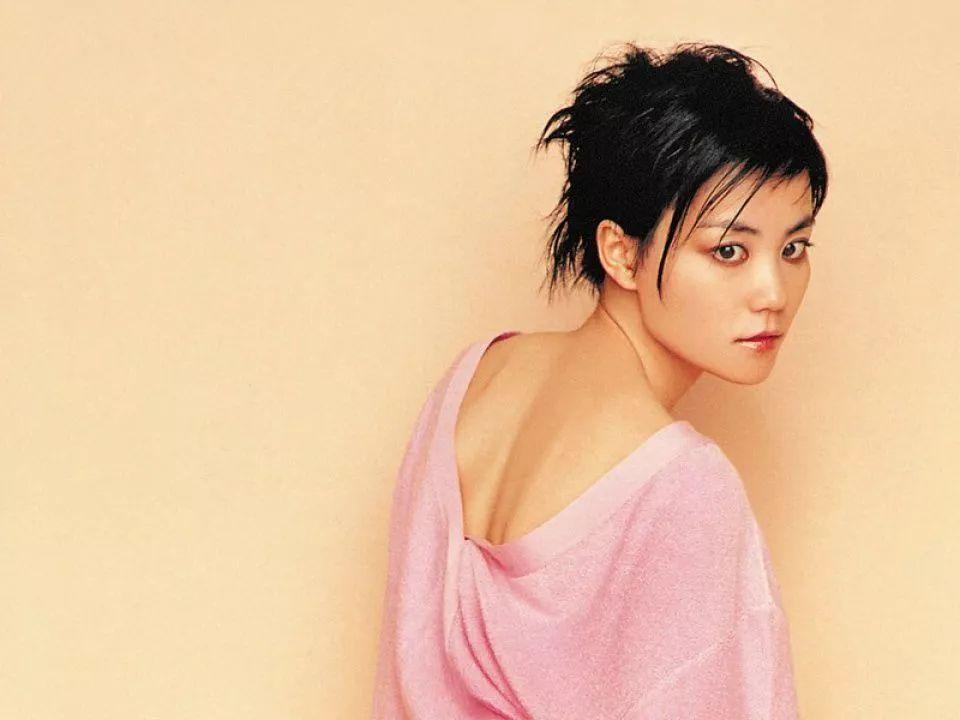 歌后王菲成功背后的故事 被称为最仗义的歌手
