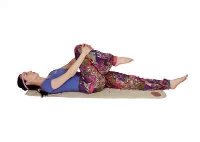 7个睡前瑜伽动作 轻松减掉肚子赘肉