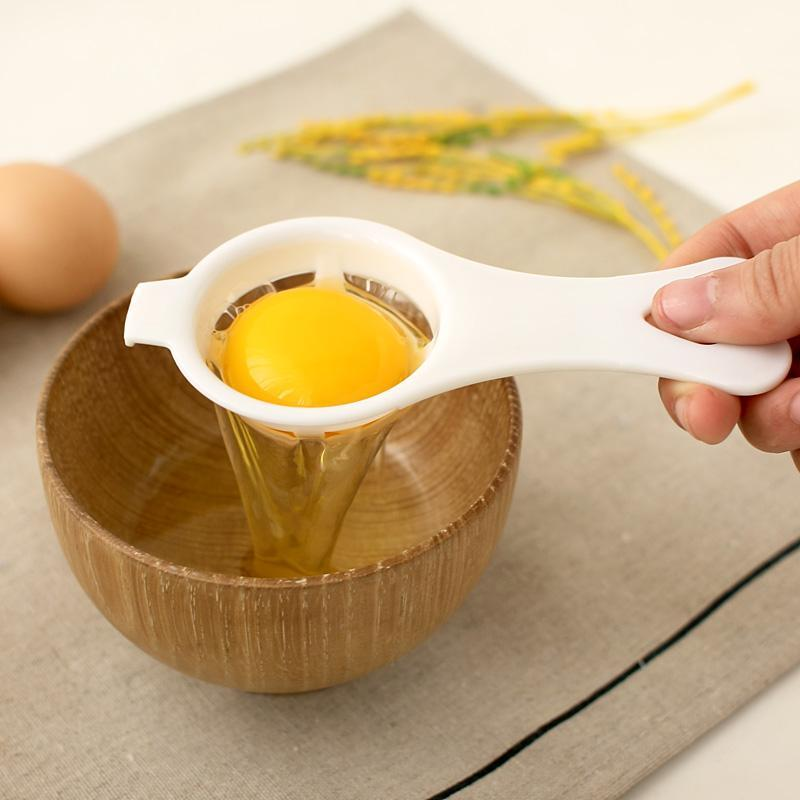 鸡蛋的蛋清营养高还是蛋黄高?