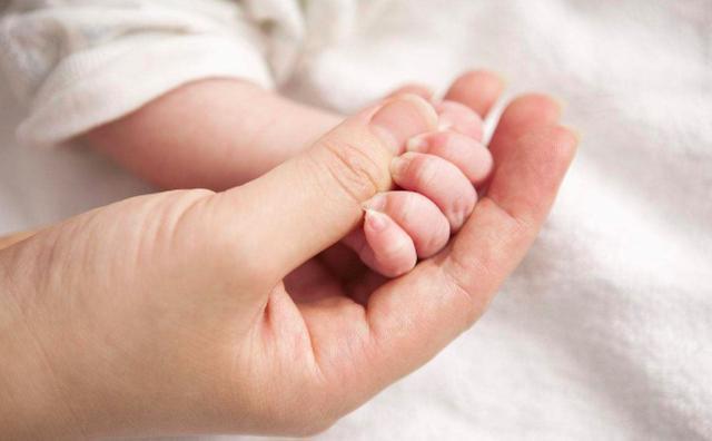 新生儿纯母乳喂养,还需要补钙?那是当然的!