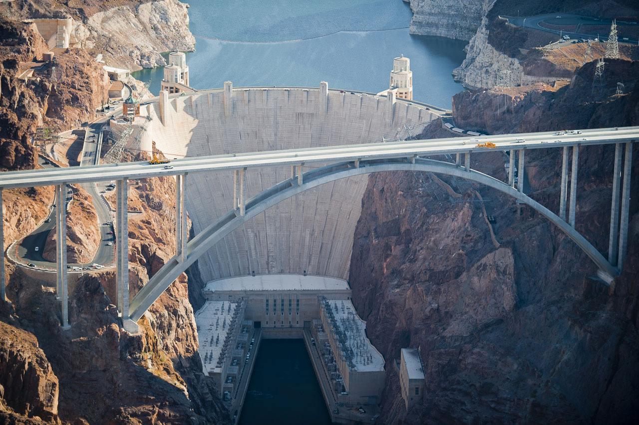 科罗拉多大峡谷胡佛水坝的水,竟会往高处流?