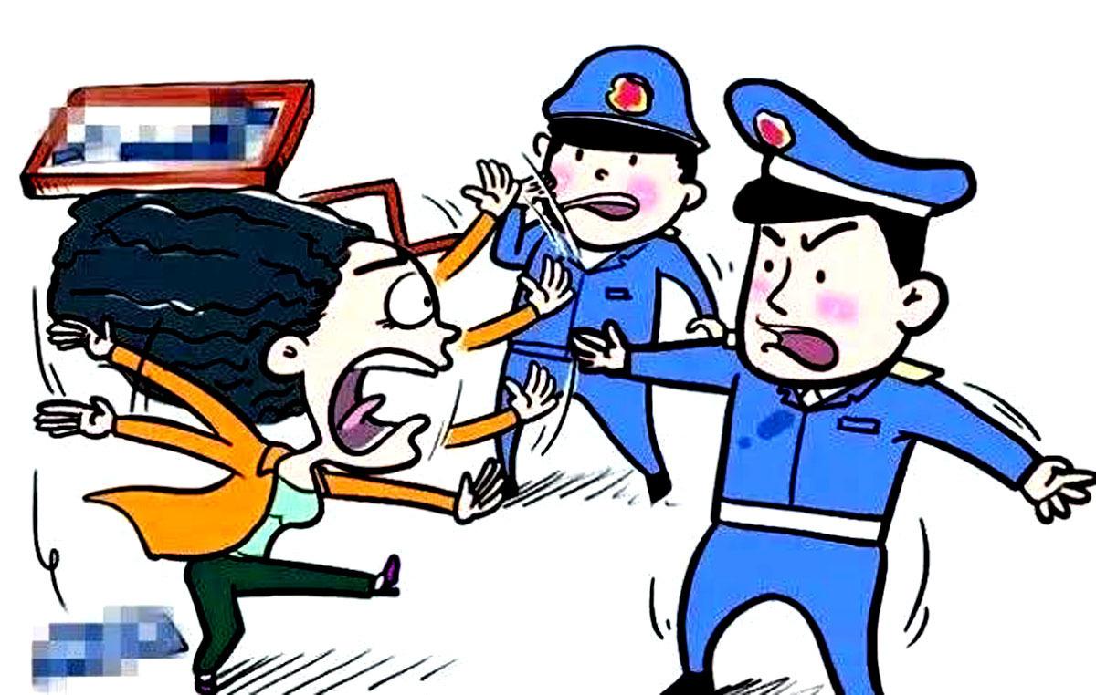 山东无棣一女子妨碍警察执法被拘...