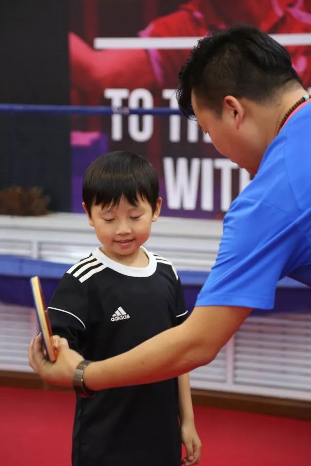 大咖教练手把手教,小运动家假期训练忙!
