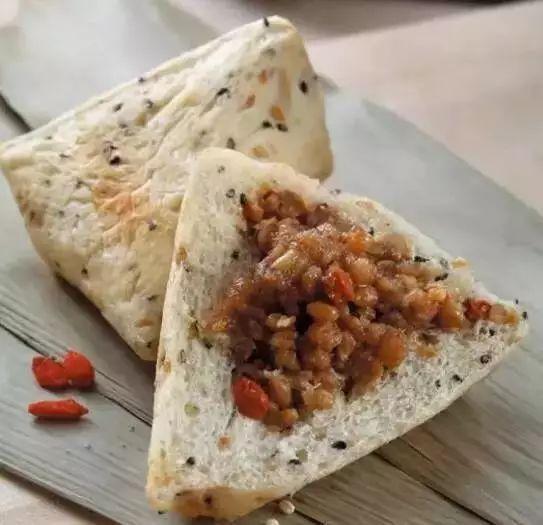 其实段位是黑配料,猪肉,奇葩和价格,板栗应该还不错,鹌鹑粽中绿豆较低柳州糯米蛋味道图片