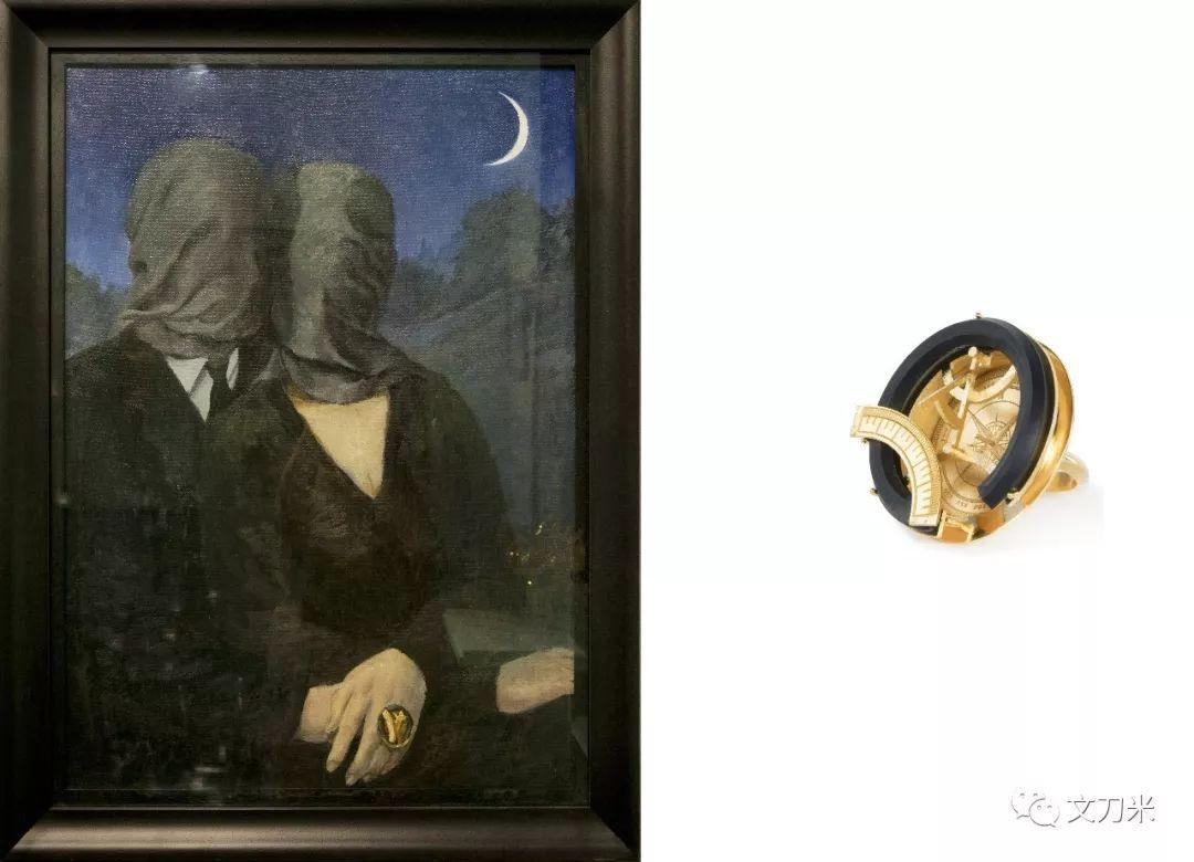 他给这张大片手绘了一幅油画(上图左),这张油画是复刻的马格利特的《恋人》.