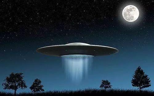 美国凤凰城ufo事件图片