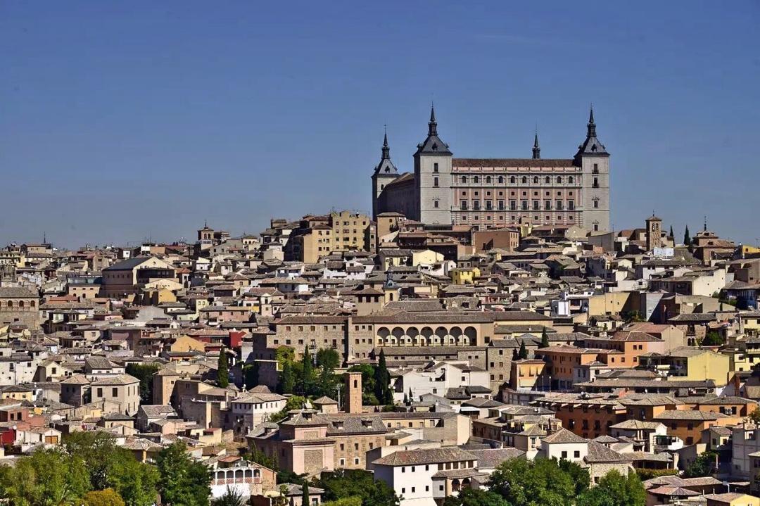 西班牙的千年古城,曾经是欧洲三教融合的代表,如今游客云集