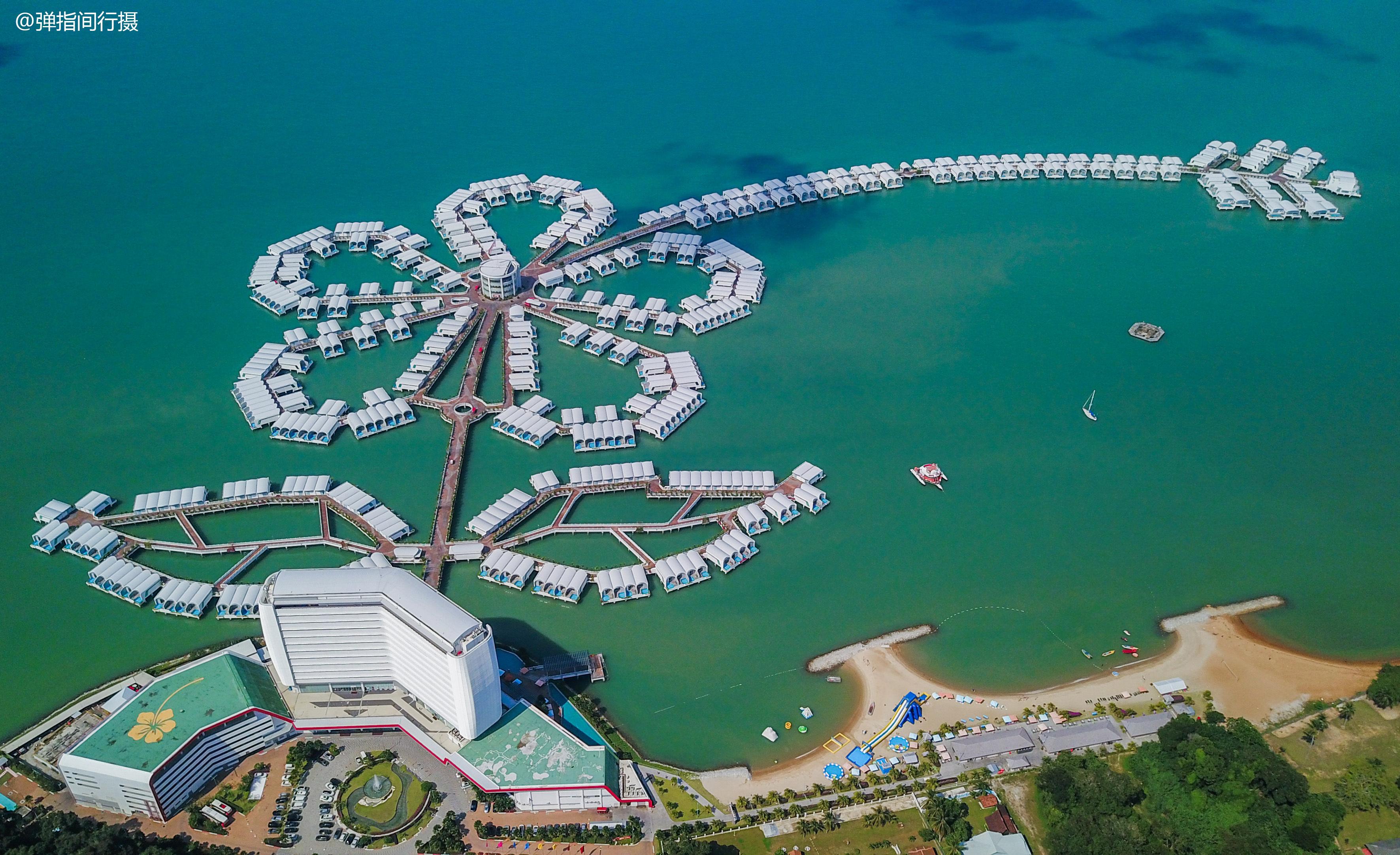 马来西亚这座酒店设计真美!如一朵花长在海里,且中国游客很少