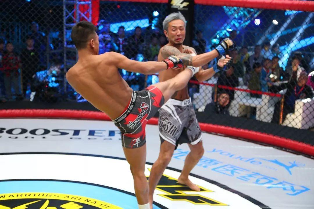 俄勇:拿下金腰带,进军UFC!