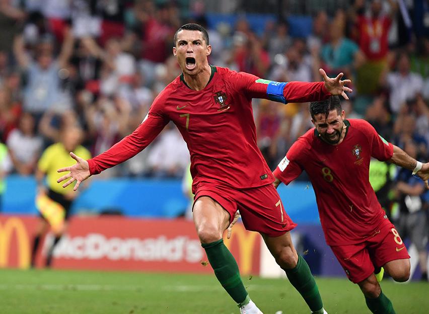 世界杯首轮亮点回顾 C罗戈洛温最瞩目,上届冠亚军让人失望