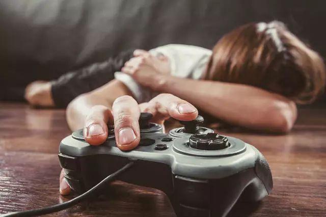 """已确认!打游戏上瘾被正式列入精神疾病!容桂很多街坊都""""有病""""了..."""