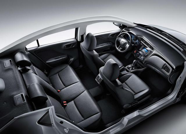 2万辆的丰田威驰慌了,2018款本田锋范正式上市!图片