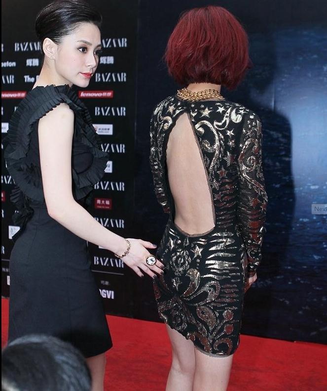 张钧甯穿了一条很普通的裙子,但是她转过身后大家都惊呆了