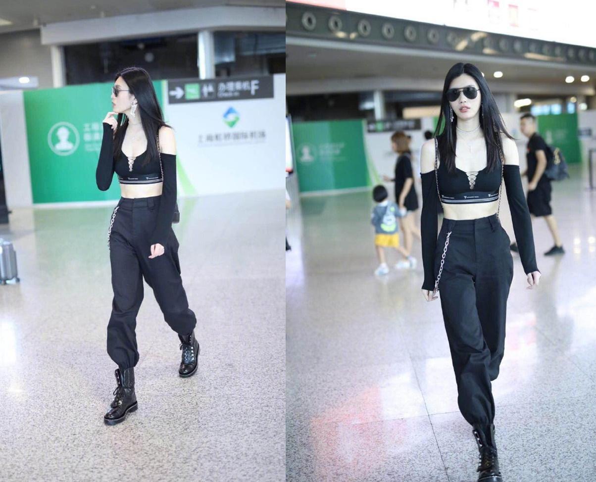 奚梦瑶豁出去了,在机场穿得比在维密舞台走秀还性感!