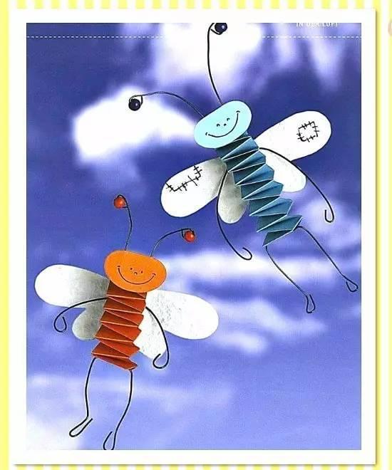 彩色卡纸,剪刀,胶水,眼睛装饰 弹簧纸飞翔的昆虫 小蜜蜂脸上画上一个图片