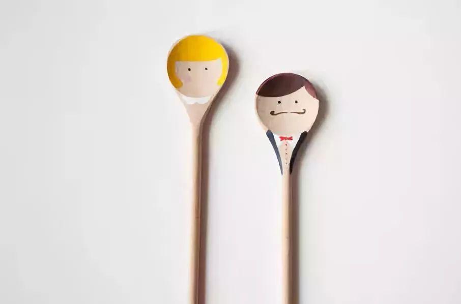 母婴 正文  手工制作玩具汤勺,创意和实用度100分 哈完成完成,又简单