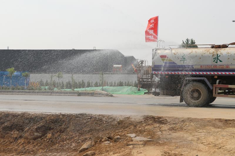 喷淋保湿法施工力促绿色环保工程