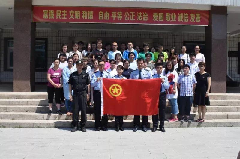 成共筑中国梦的青春力量,这是我们作为新时代青年人义不容辞的责任.