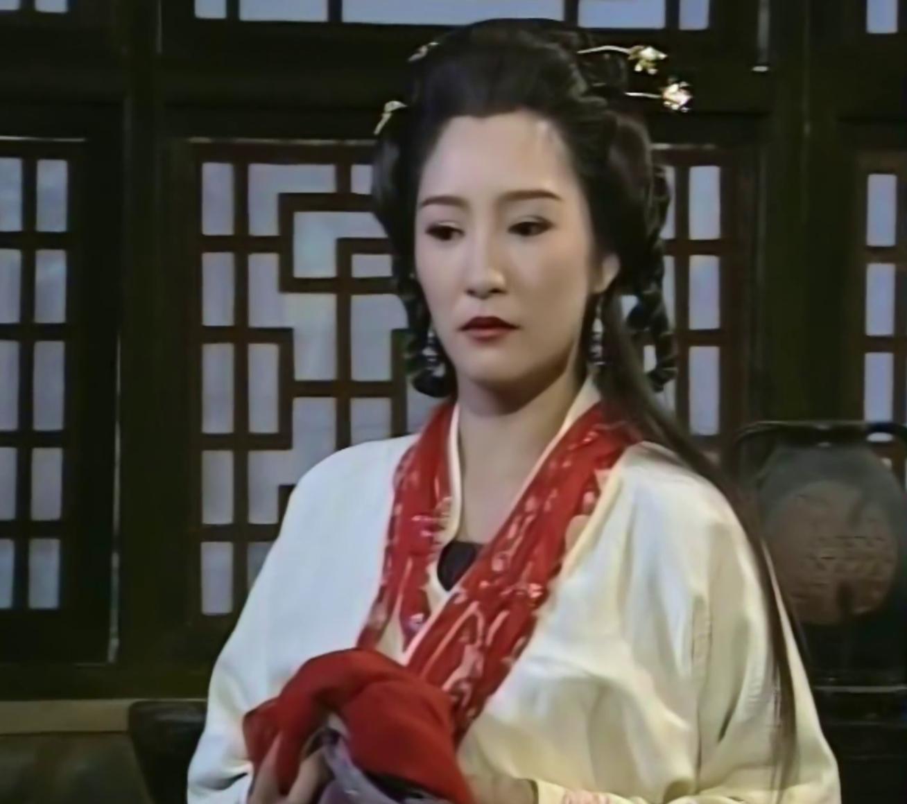 天龙八部 中,马夫人康敏身为副帮主夫人,为何要陷害乔峰