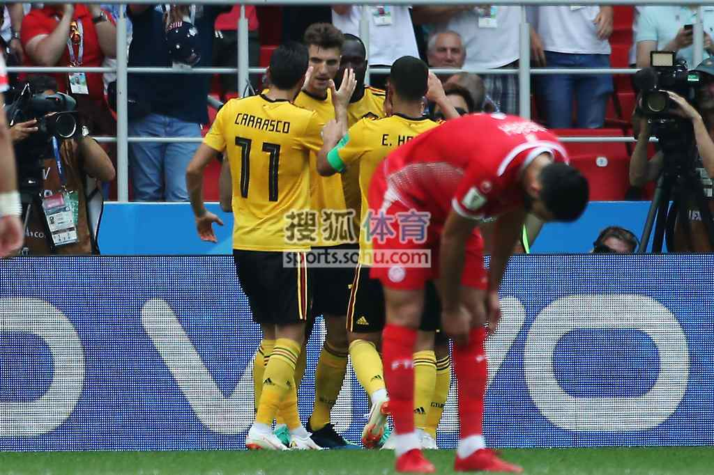 进球:穆尼耶送出直塞_卢卡库默契插上梅开二度