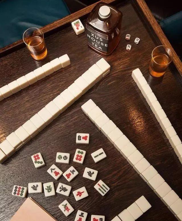 在伦敦茶室打麻将才是正经事