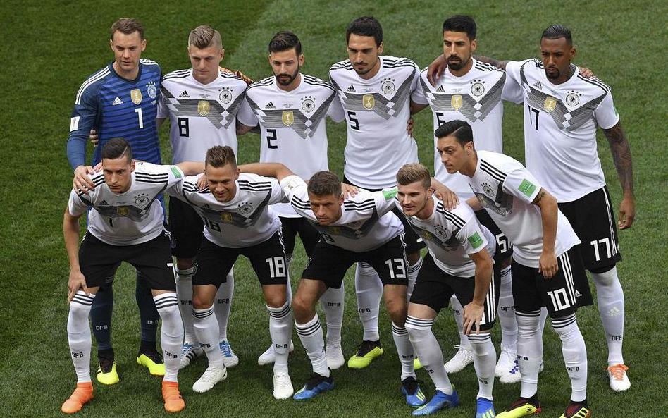 历届中国国家队名单_求巴西,荷兰,德国,法国国家队的最新球员名单!
