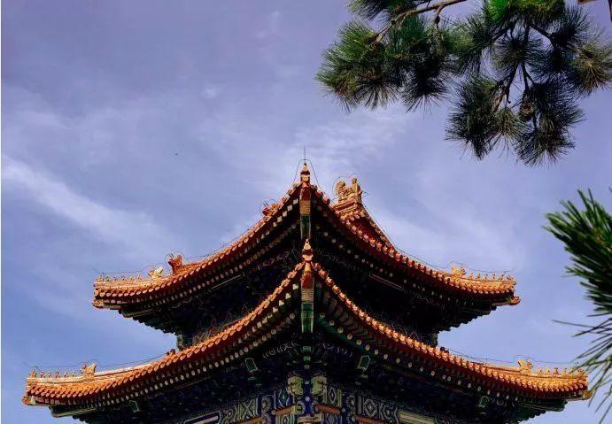 投票| 你希望清西陵在哪个时间段推送?顺便来看看清西陵最美的屋檐吧!