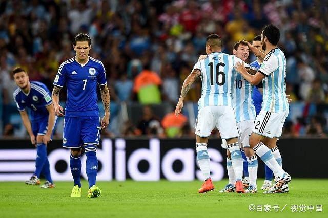 以下是阿根廷0-3負于克羅地亞的正選陣容:畸形的3-4-3圖片