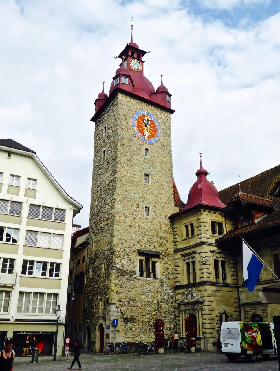 瑞士画墙,琉森老城区的神秘色彩