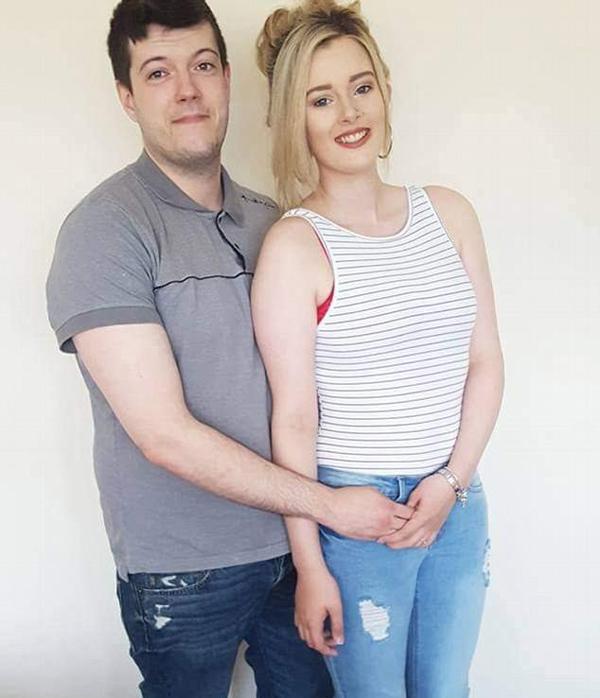 英国女子发现丈夫偷拍女顾客如厕 将其送进警局