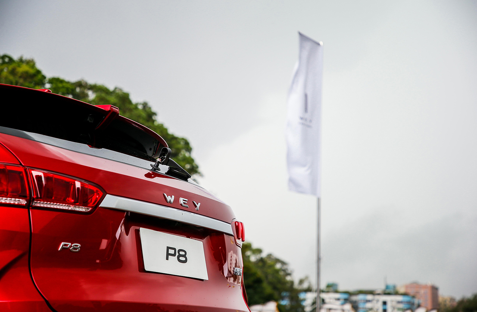 百公里2.3L的油耗也可以很性能 试驾WEY P8