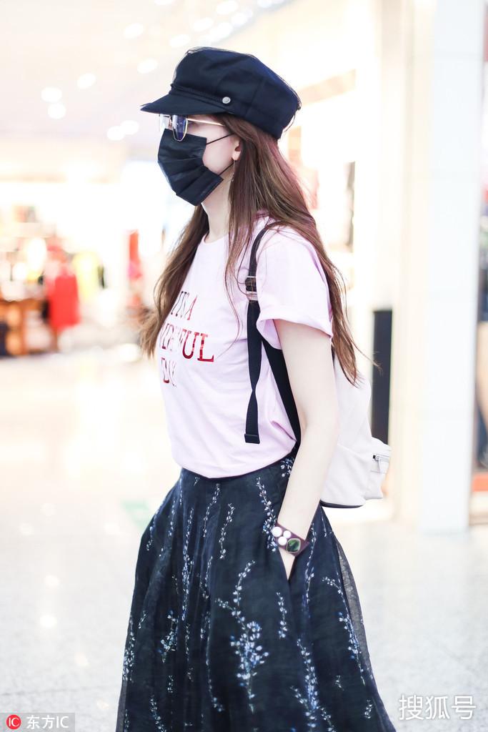 林志玲不戴口罩绝对是甜美少女本人了!图片