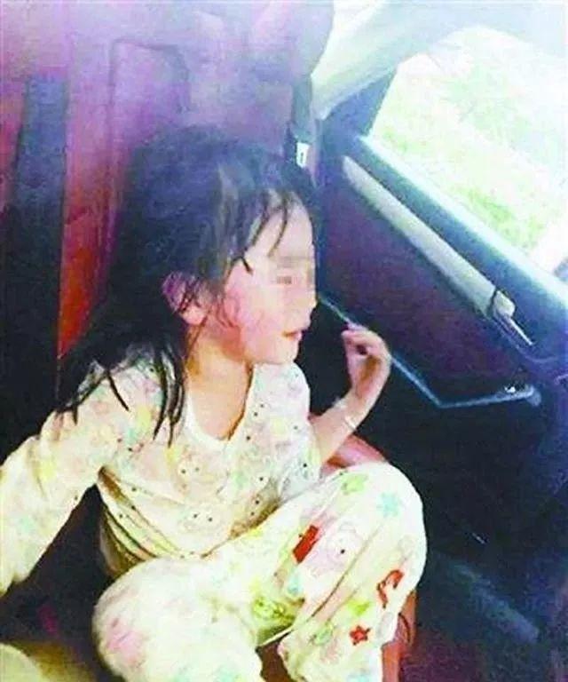 4岁女童被遗忘在校车内活活闷死,这些求救方式一定要图片